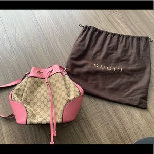 Gucci GG Bucket Bag Pink
